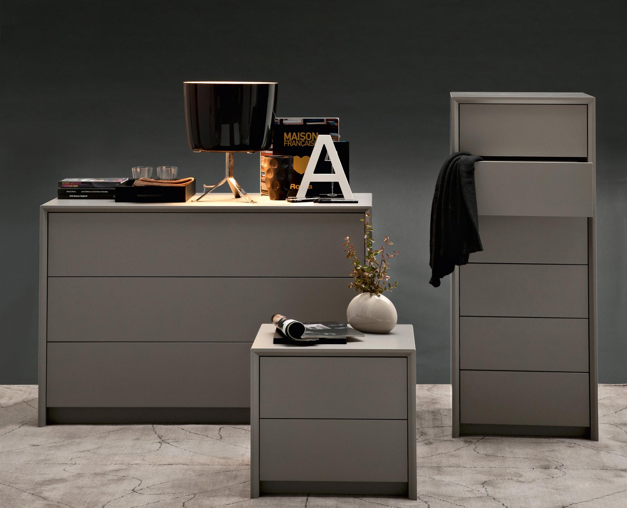 Calligaris password 21 compact 3 drawer bedroom dresser for Calligaris comodini