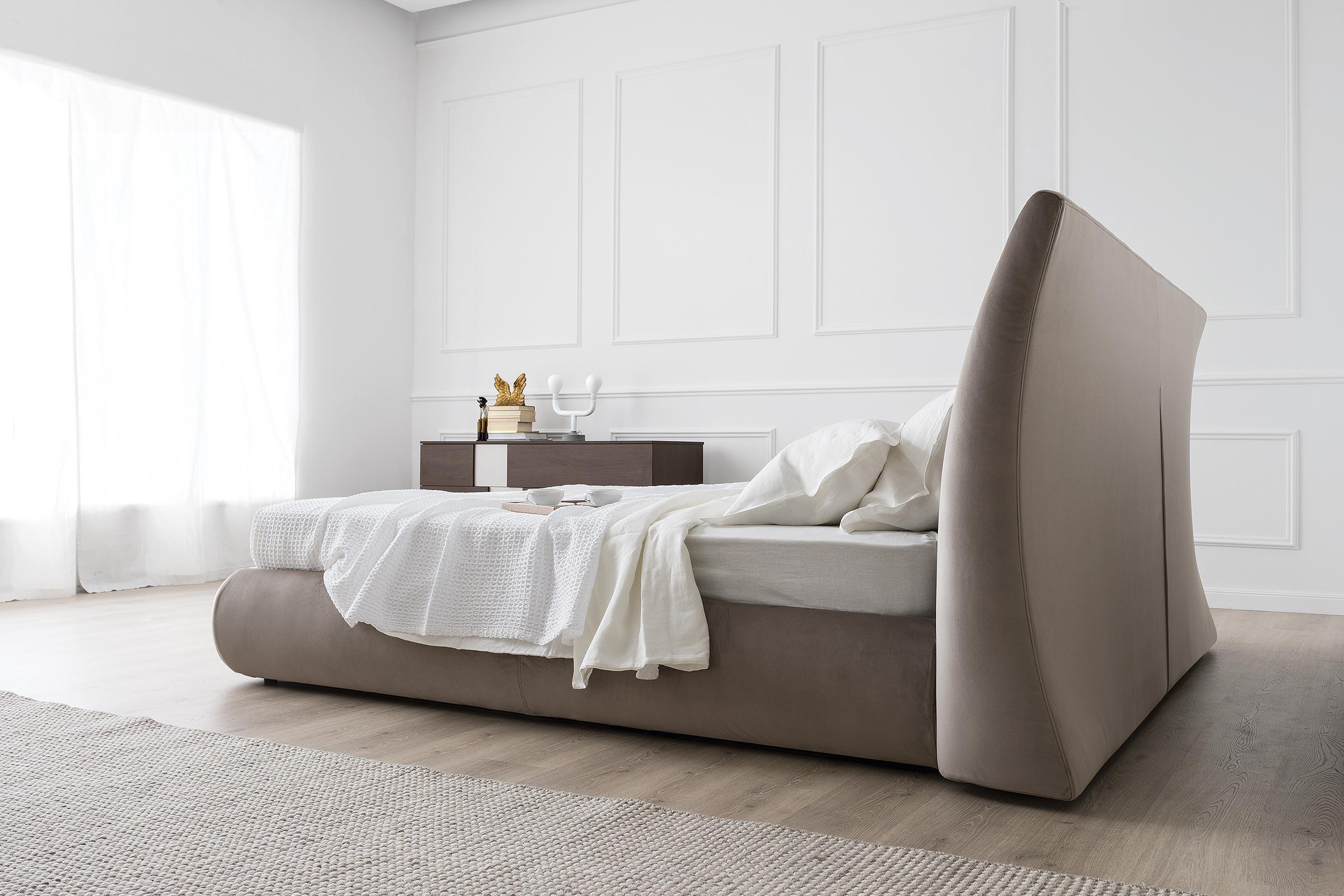 Michigan Modern Fully Upholstered Bed Calligaris Toronto